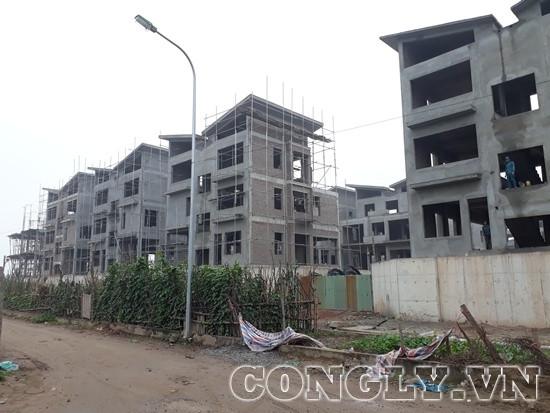 """Dự án Khai Sơn Hill Long Biên - Kỳ 1: Hàng loạt biệt thự """"vô tư"""" xây dựng không phép"""