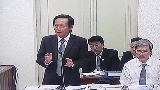 Các luật sư tập trung gỡ tội cho bị cáo Đinh La Thăng