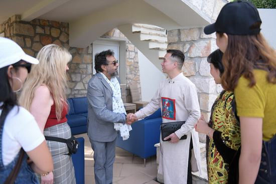 NTK Đỗ Trịnh Hoài Nam gặp gỡ minh tinh quốc tế tại Cannes