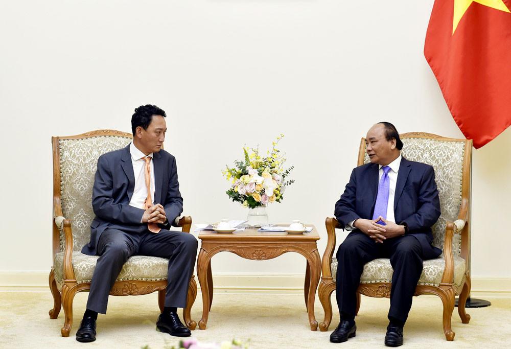 Thủ tướng Nguyễn Xuân Phúc tiếp tân Đại sứ Hàn Quốc và Đại sứ Mozambique
