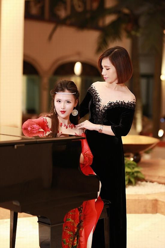 """Khóa học Cắt thiết kế áo dài Đỗ Trịnh Hoài Nam – """"Vườn ươm"""" hồi sinh nét đẹp văn hóa truyền thống"""