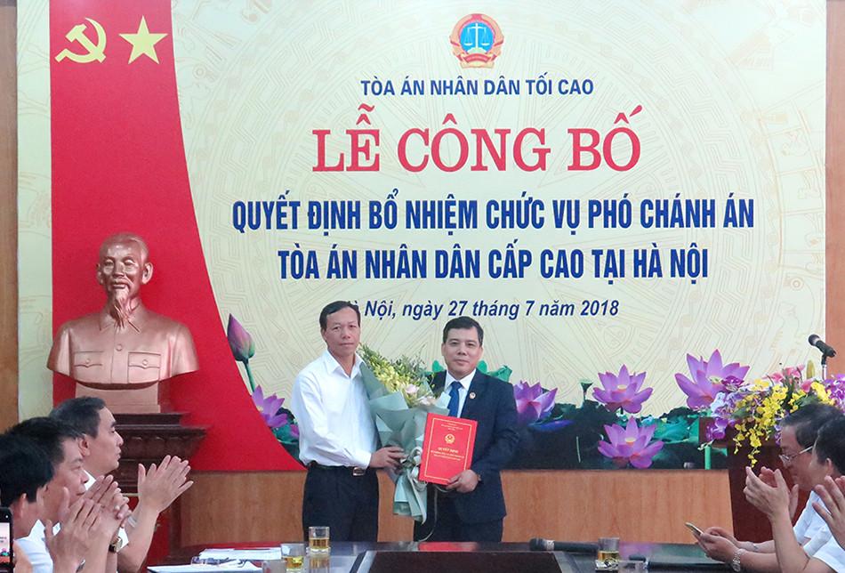 Trao Quyết định bổ nhiệm Phó Chánh án TAND cấp cao tại Hà Nội