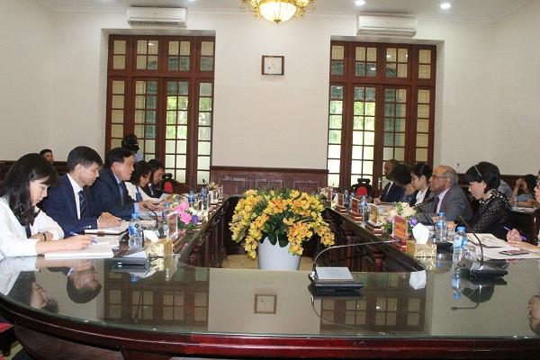 Chánh án TANDTC làm việc với Trưởng đại diện UNICEF tại Việt Nam