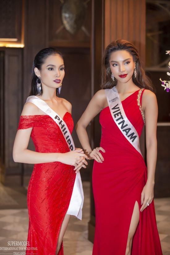Dàn thí sinh siêu mẫu đẹp thế này, đâu là cơ hội cho Khả Trang?
