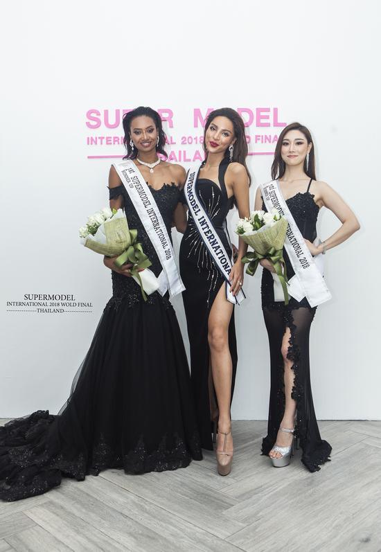 Dương Nguyễn Khả Trang đăng quang Siêu mẫu Quốc tế 2018
