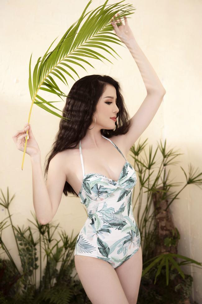 Thúy Vi khoe thân hình rực lửa trước thềm cuộc thi Miss Asia Pacific International