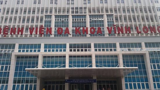 Bệnh nhân rơi từ lầu 7 bệnh viện xuống đất tử vong