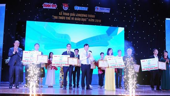 4 công trình xuất sắc của chương trình Tri thức trẻ vì giáo dục năm 2018 nhận giải thưởng 100 triệu đồng