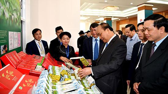 Thủ tướng: Kết nối với thị trường Trung Quốc là cơ hội chiến lược của Cao Bằng