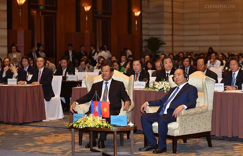 Thủ tướng: Các tập đoàn lớn của Việt Nam phải tiên phong kinh doanh thành công tại Campuchia