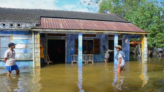 Mưa lũ ở Trung Bộ: 9 người chết và mất tích, hơn 23.100 nhà dân bị ngập