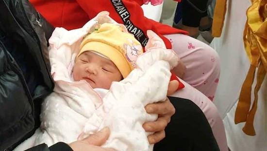 Quảng Ninh: Em bé thứ 100 ra đời bằng phương pháp thụ tinh ống nghiệm