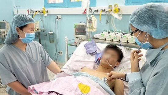 Quả thận vượt 1.700 km cứu sống cậu bé 15 tuổi
