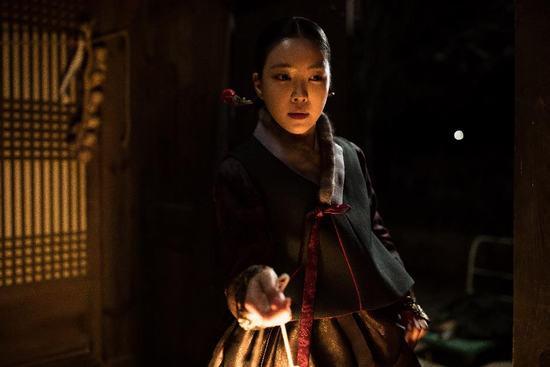 """""""Nàng dâu bị nguyền"""" xứ Hàn: Cứ đêm tân hôn là chồng qua đời"""