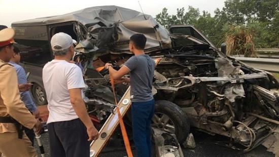 Danh tính 2 nạn nhân tử vong trong vụ tai nạn trên cao tốc Pháp Vân - Cầu Giẽ