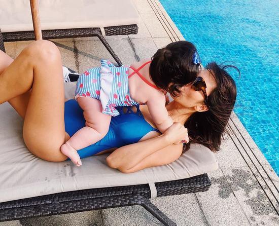 Hà Anh khoe khoảnh khắc siêu đáng yêu bên bé Myla khiến fan mê mệt