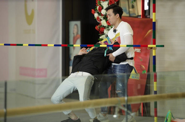 Chạy đi chờ chi: Anh Đức thuyết phục Trương Thế Vinh, truy đuổi Ngô Kiến Huy ráo riết