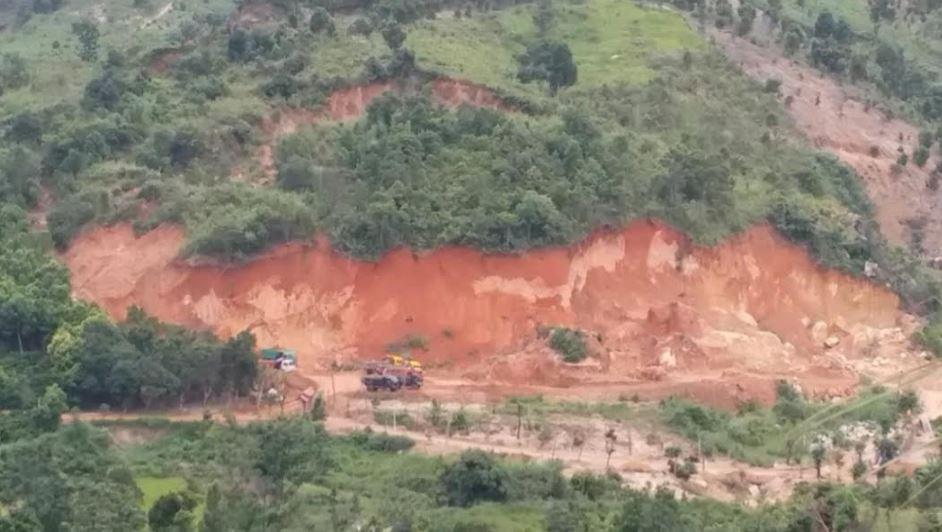 """Khai thác khoáng sản trái phép ở Gia Lai: Tỉnh đề nghị xử lý, huyện """"ngó lơ"""""""