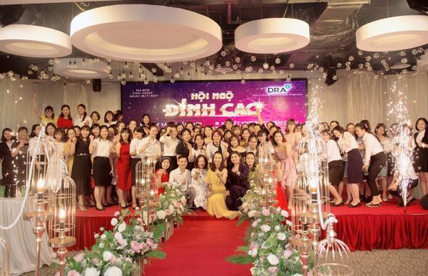 """Sự kiện """"Hội ngộ đỉnh cao - Doctor A"""" quy tụ hàng trăm nữ doanh nhân"""