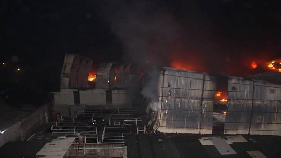 Công an điều tra vụ cháy Công ty Bóng đèn phích nước Rạng Đông