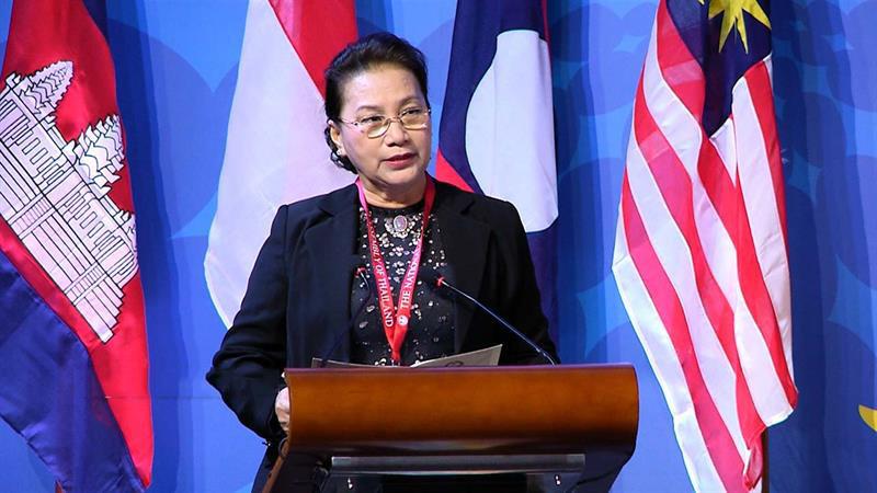 Việt Nam nhận chức Chủ tịch luân phiên tại Lễ bế mạc Đại Hội đồng AIPA 40