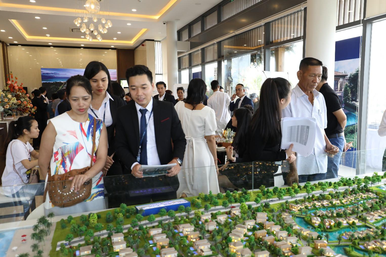 Khai trương sàn giao dịch BĐS Novaland Cam Ranh và giới thiệu biệt thự mẫu NovaBeach Cam Ranh Resort & Villas