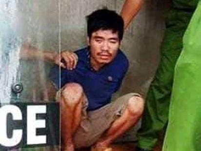 Khởi tố nghịch tử dùng dao sát hại mẹ đẻ bị bại liệt