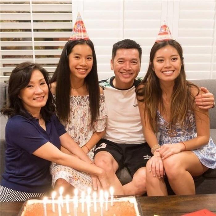 Hậu ly hôn, Hồng Đào đón sinh nhật 57 cùng hai con gái