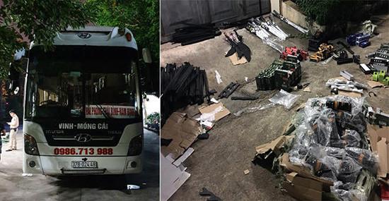 Xe khách vận chuyển số lượng lớn vũ khí thô sơ