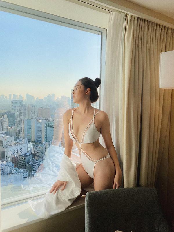 Á hậu Tường San khoe thân hình quyến rũ trước vòng thi bikini