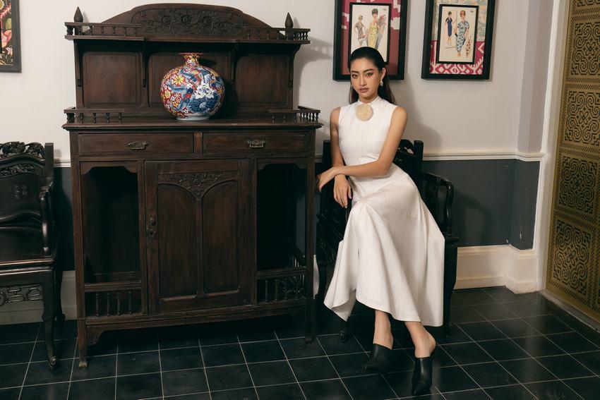 """Hoa hậu Lương Thùy Linh """"mách nhỏ"""" phong cách đồ thu đông 2019"""