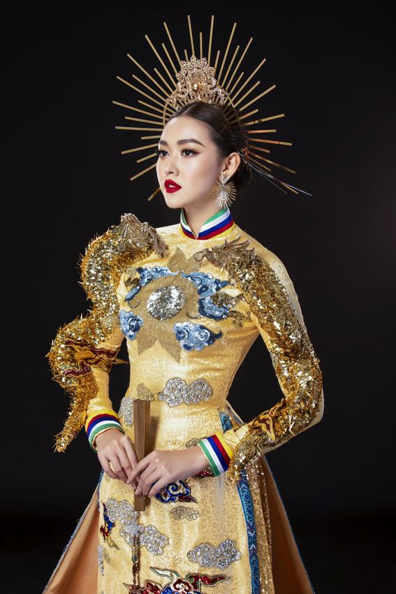 Á hậu Tường San đạt giải quốc phục đẹp nhất tại Miss International 2019