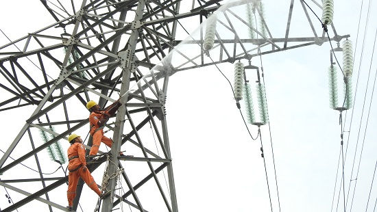 EVNNPC: Tăng cường các giải pháp đảm bảo cung ứng điện an toàn cho khách hàng