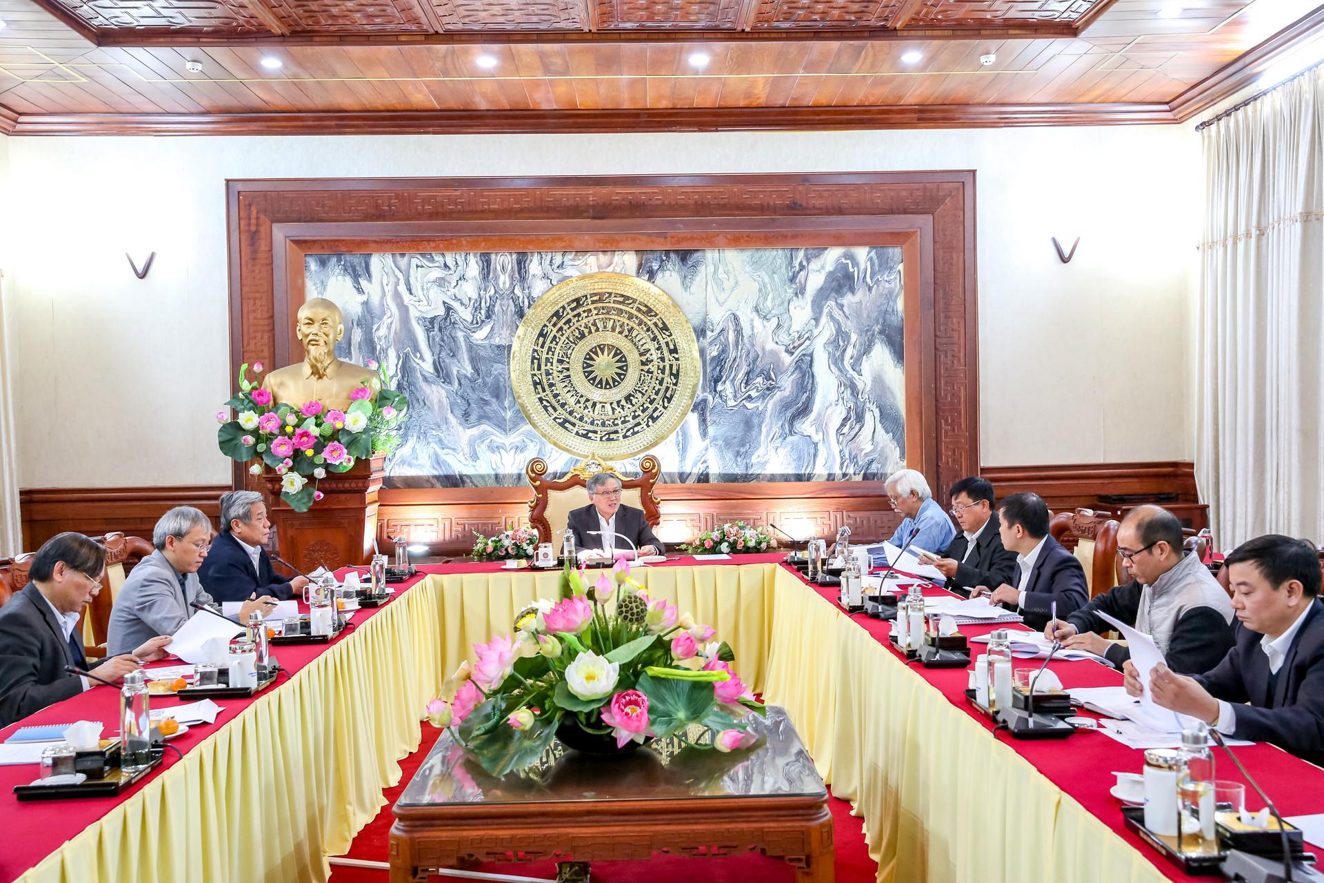 Lựa chọn nhân vật tiêu biểu trong hoạt động xét xử của Việt Nam