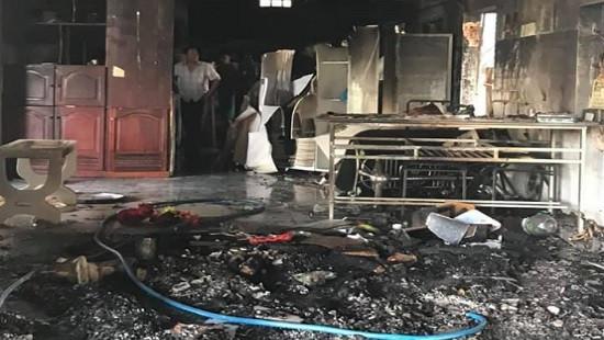 Nam thanh niên nghi ngáo đá tự đốt nhà