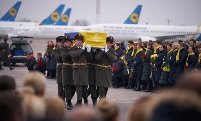 Thi thể của nạn nhân Ukraine trong vụ tai nạn máy bay tại Iran trở về quê nhà