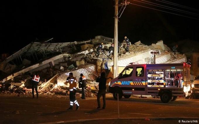 Động đất ở Thổ Nhĩ Kỳ, hơn 500 người thương vong
