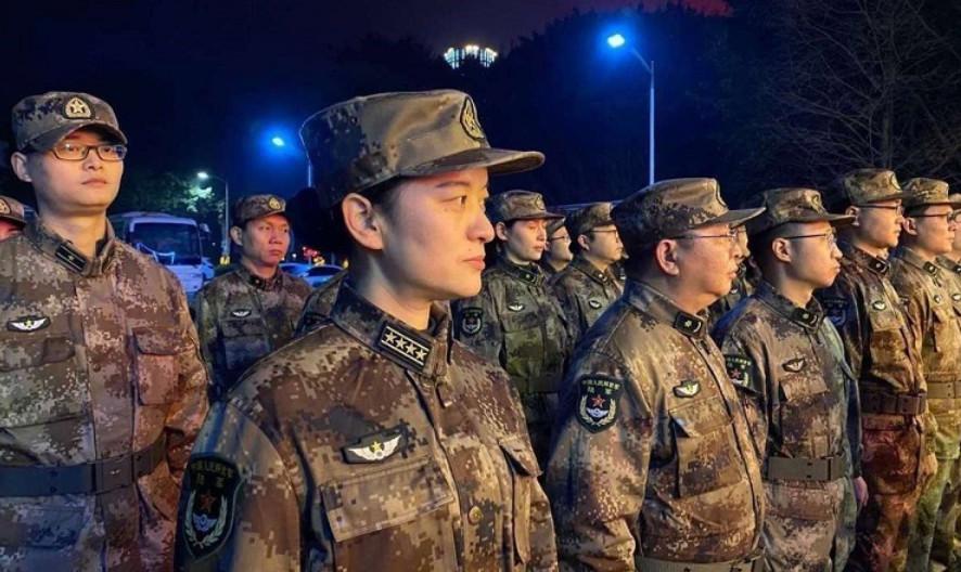 """Trung Quốc điều 450 quân y đến """"ổ dịch"""" Vũ Hán"""