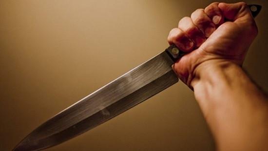 Mâu thuẫn gia đình, chồng đâm chết vợ trong bữa cơm tối