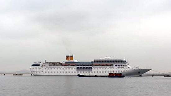 Siêu du thuyền vừa cập vịnh Hạ Long không chở khách