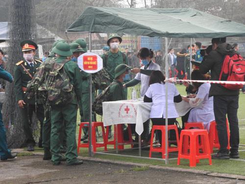 Hơn 3.000 thanh niên Nghệ An nô nức lên đường tòng quân