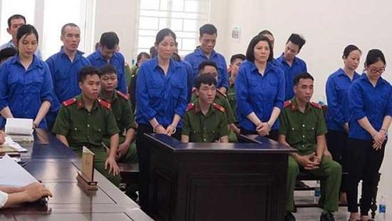 Tòa tuyên phạt 10 án tử hình trong đường dây mua bán trái phép chất ma tuý xuyên Bắc - Nam