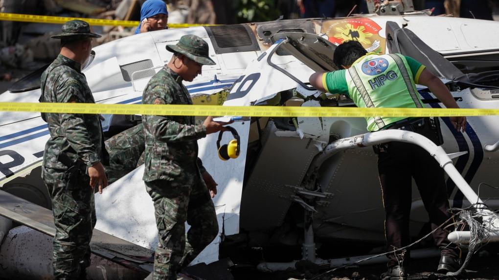Máy bay chở cảnh sát Philipines rơi vì đâm vào dây điện, tất cả bị thương