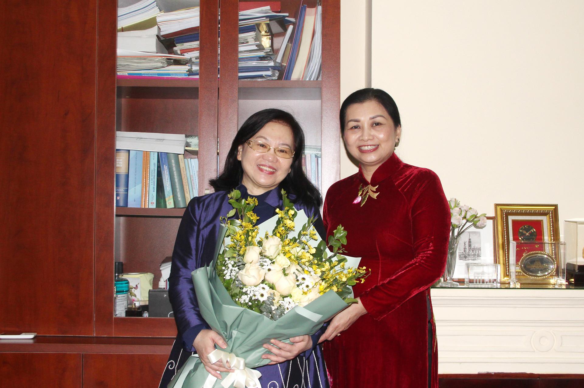 Kỷ niệm 110 năm Ngày Quốc tế phụ nữ 8/3 tại các đơn vị thuộc TANDTC