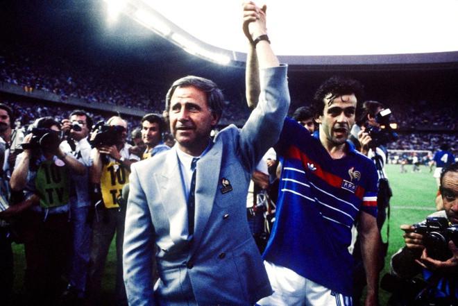 HLV Michel Hidalgo vĩ đại và lãng mạn nhất bóng đá Pháp qua đời