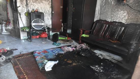 Phóng hỏa đốt nhà trọ khiến 2 người bỏng nặng