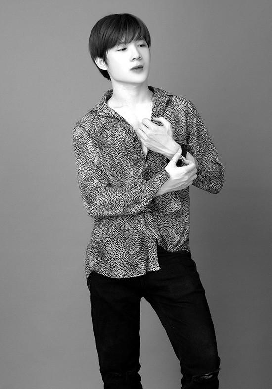 Stylist Trình Văn Hùng ghi dấu ấn trong ngành nhờ quyết định 'rẽ ngang'
