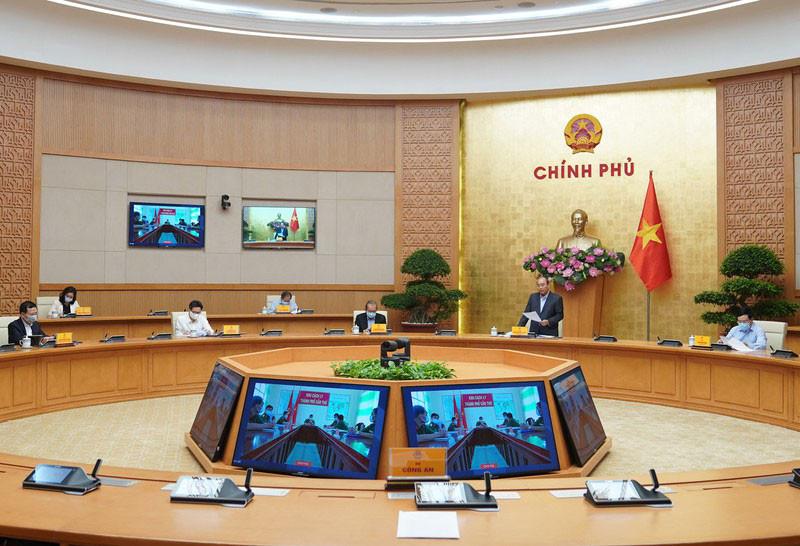 Thủ tướng họp trực tuyến với 5 thành phố lớn về phòng chống dịch COVID-19