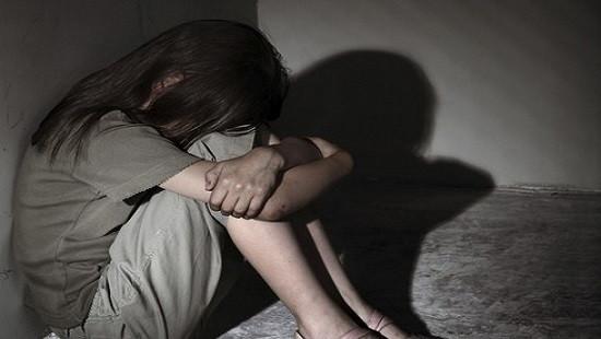 Quan hệ với bé gái 13 tuổi dẫn đến sinh con