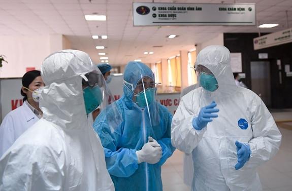 Bệnh nhân 88 tuổi nhiễm Covid-19 diễn biến nặng, phải thở máy